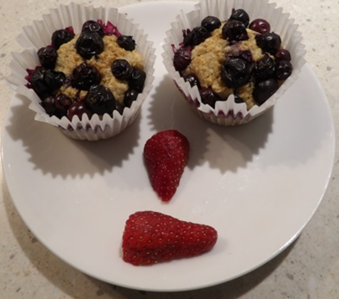 rolled,oats,with,blueberries,brunch,cake