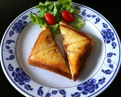 salami and cheese sandwich, cheese toastie, toasted cheese and salami