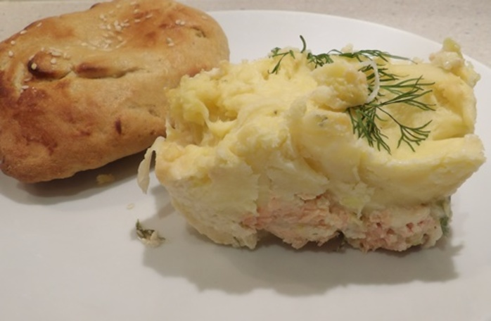 salmon,and,dill,pie,with,potatoes,and,home,made,naan,bread