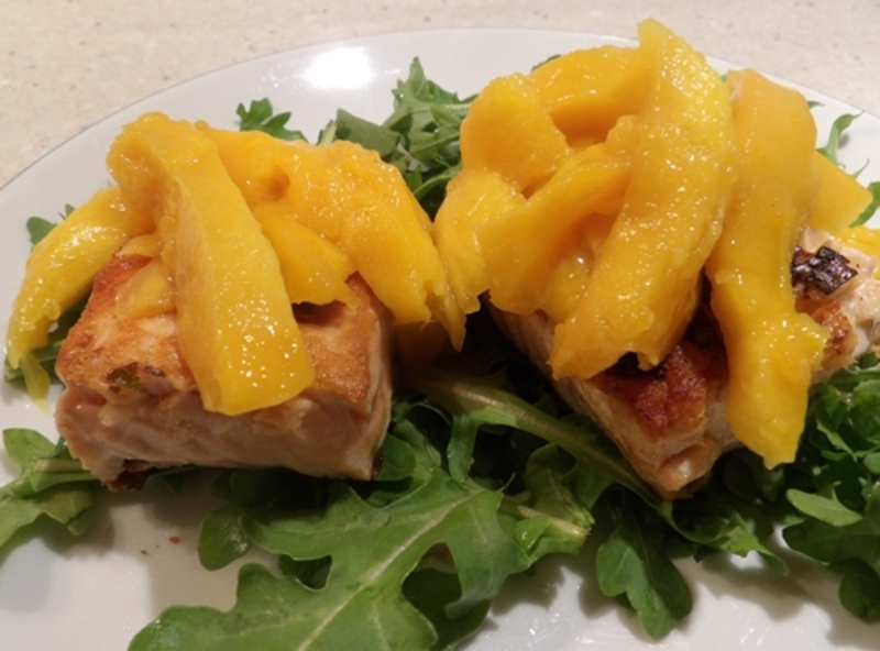 salmon,mango,on,a,bed,of,rocket  - Salmon Steaks with Mango and Chili