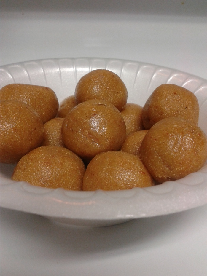 semolina dates ball
