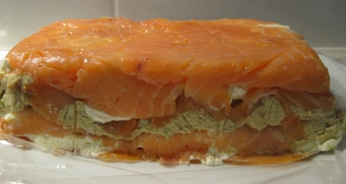 smoked,salmon,with,creamy,herb,layers