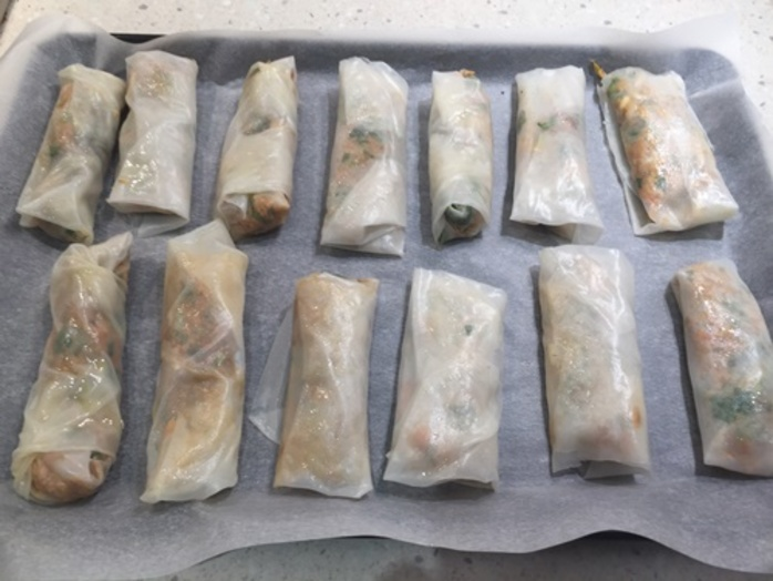 spring,rolls,ready,to,bake