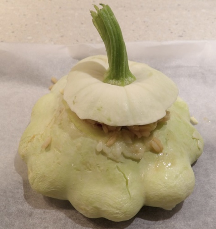 squash,stuffed,with,rice,and,herbs