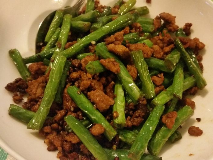 Stirfried green beans with pork mince