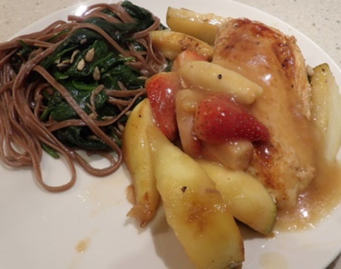 strawberry,and,pear,chicken,with,spinach,fettuccine