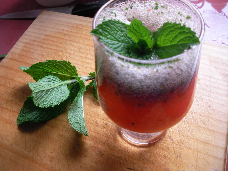 strawberry,mint,drink,glass  - Strawberry Mint Cooler