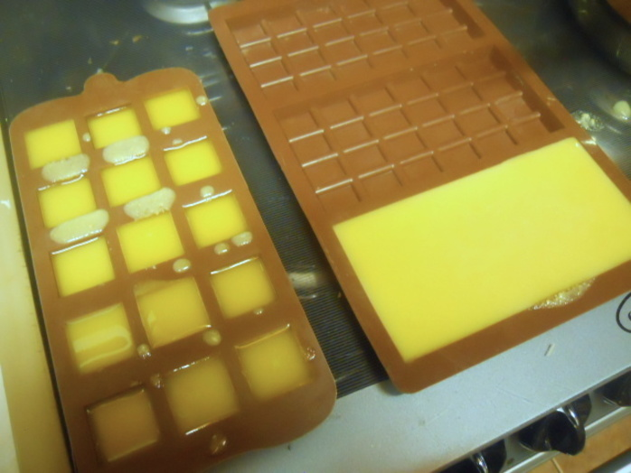 white chocolate, cocoa butter, melt, chocolate moulds, silicone moulds