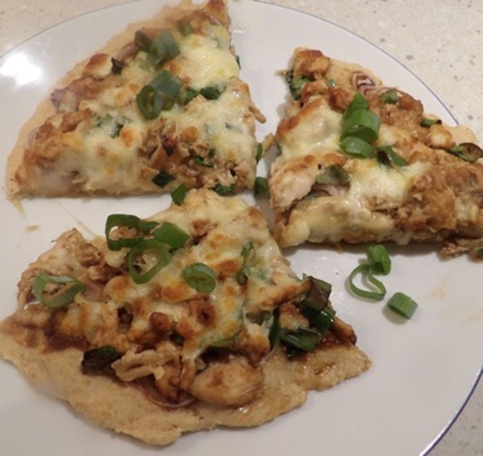 wholemeal,pizza,with,chicken,cheese,and,hoisin,sauce