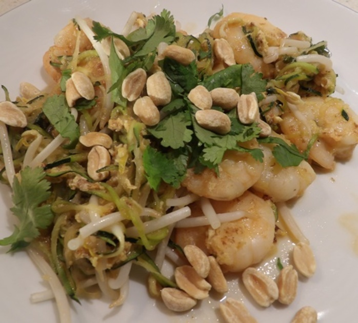 zucchini,noodles,zoodles,with,peanuts,and,prawns
